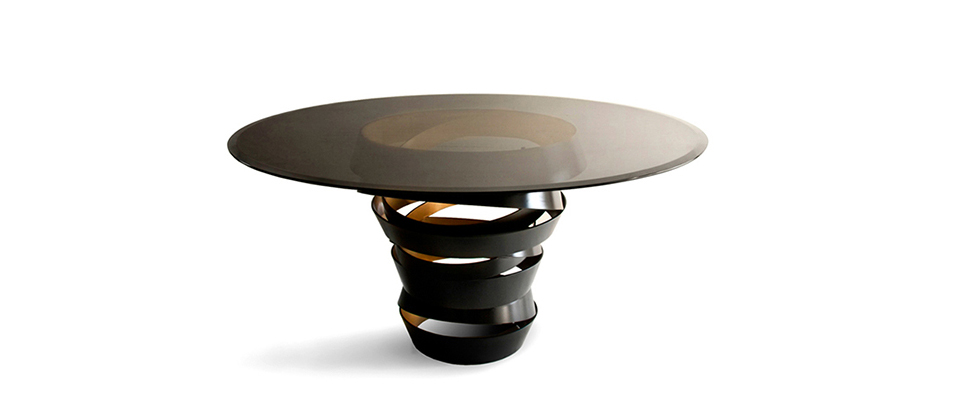 INTUITION Dining Table Koket Love Happens